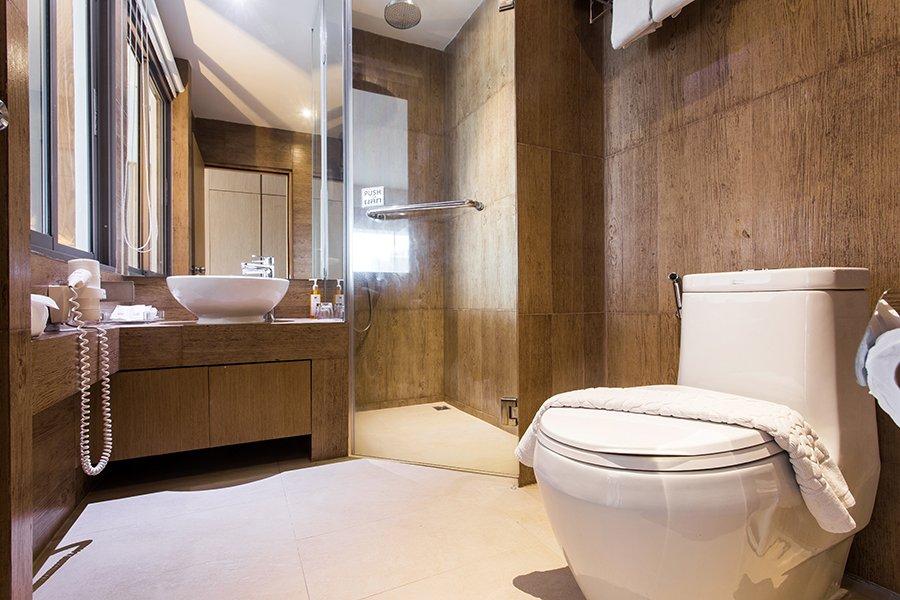 SUPERIOR ROOM - Chaweng Cove Beach Resort | Samui Pool Villas ... on steam room bathrooms, swimming pool bathrooms, public pool bathrooms, outdoor pool bathrooms, beach bathrooms, gym bathrooms, spa bathrooms, golf bathrooms, restaurant bathrooms, gas station bathrooms, luxury pool bathrooms, hair salon bathrooms,